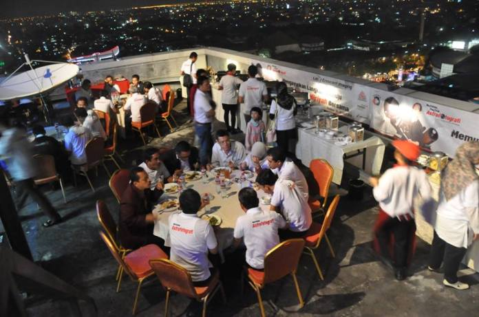 Dinner di Rooftop Hotel The Alana